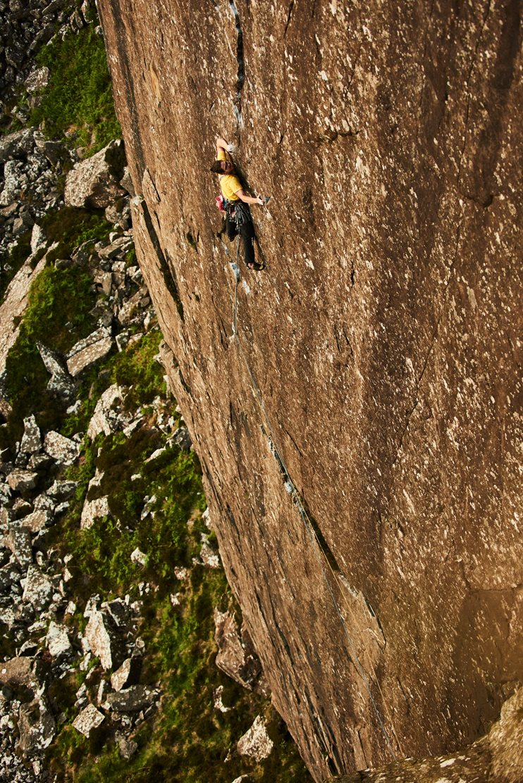 Alex climbing at Fair Head, Ireland. © Ray Demski