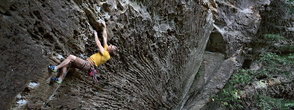Ben climbing in the Red River Gorge, Kentucky. © Ray Wood.