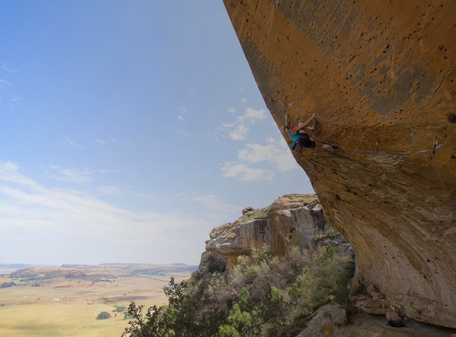 Katy Climbing at the Wow Prow, Free State, South Africa.  © Alex Haselhurst