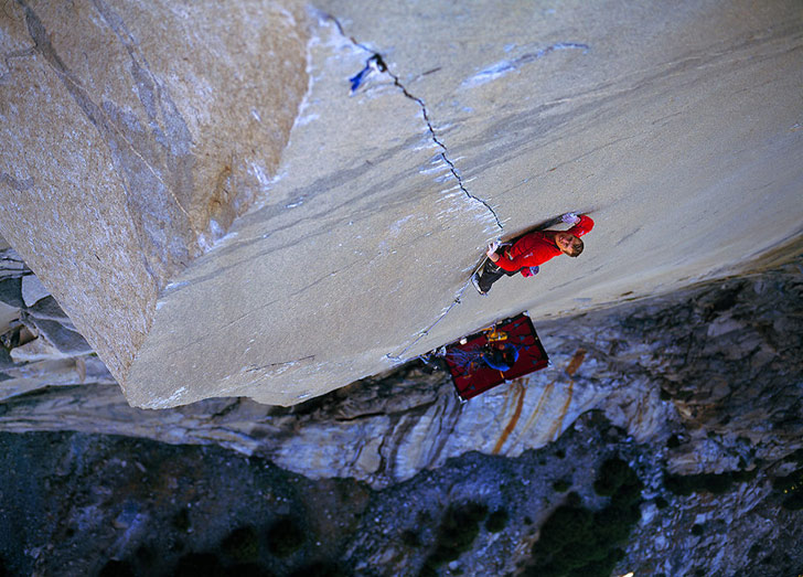 Leo on the A1 Beauty pitch of The Prophet E9 7a, El Capitan, Yosemite © Alastair Lee