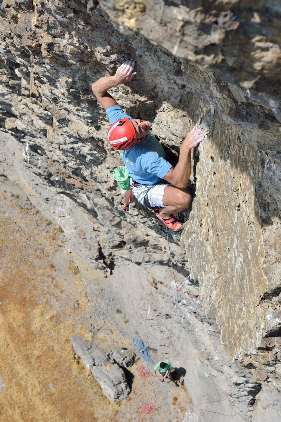 Mick making the third ascent of Requiem for a Vampire (E8 6b) on Stigmata Buttress, Craig Dorys. © Ray Wood