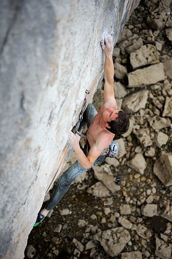Pete Robins near the top of Megalopa F8c+ on an earlier redpoint attempt. © Ray Wood
