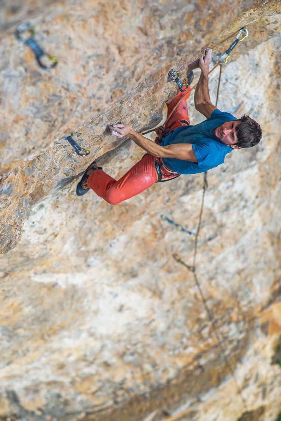 Thomas on the first ascent of Un Gusto Della Liberta, Ulassai, Sardinia.