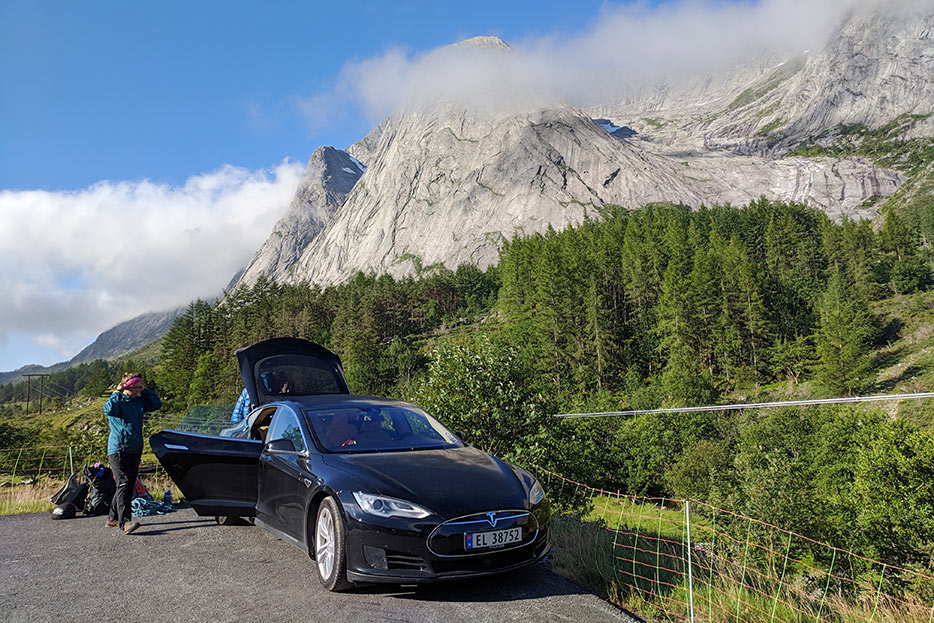 Rental Tesla in Norway © Glyn Hudson