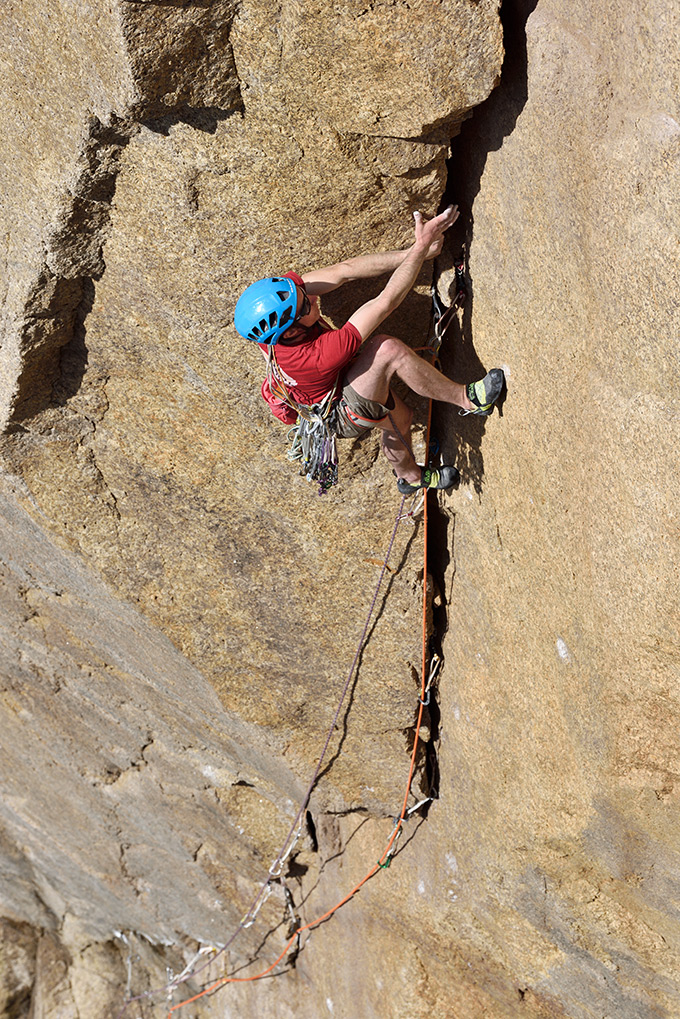 McHaffie's 2019 rematch with Controlled Burning (E6/7 6b) on Lundy. A route that has changed dramatically since being included in Extreme Rock. © Ray Wood
