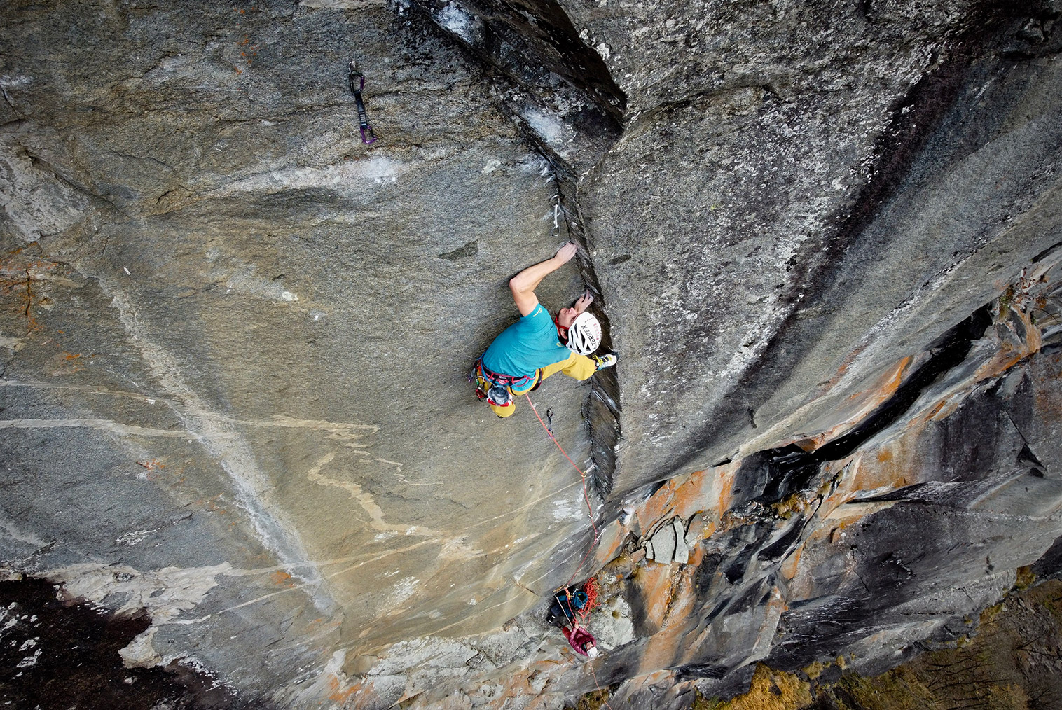 Christopher Igel on the mini-dihedral of the crux sixth pitch