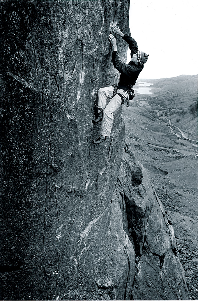 Leo Houlding making the first ascent of Trauma (E8/9 7a) in 1999, Dinas Mot, Llanberis Pass, Wales. © Ray Wood