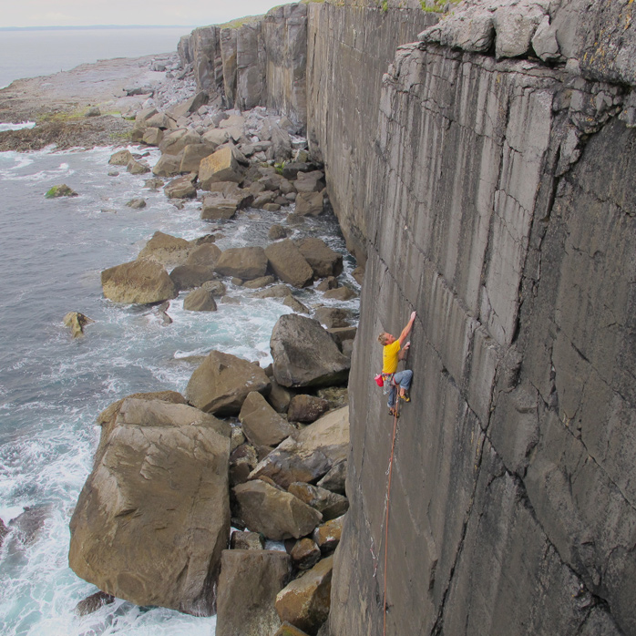 It doesn't get a lot more classy than Damn the Torpedoes (E6 6b) on Mirror Wall, Ailladie (Burren), Co. Clare. © Gilly McArthur