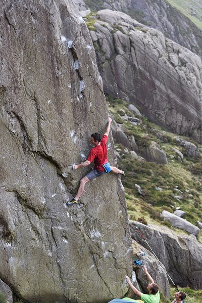 James McHaffie on an earlier session prior to eventual success on the Devils Blade (8A/+), Ogwen. © Ray Wood