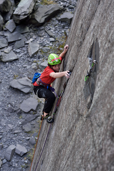 Archie Ball headpointing My Halo (E7 6b), Dinorwig Quarry. © Ray Wood